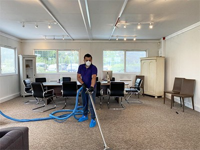 Professional carpet cleaning in an office in London